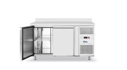 Холодильные витрины и морозильные камеры